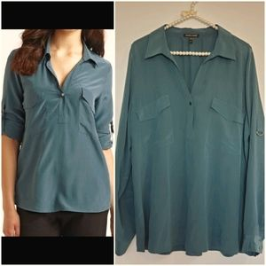 EILEEN FISHER  Silk blouse, adjustable sleeves.
